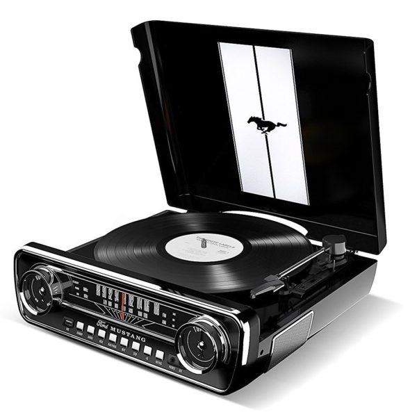 Plattenspieler im Muscle Auto Design, Radio, USB